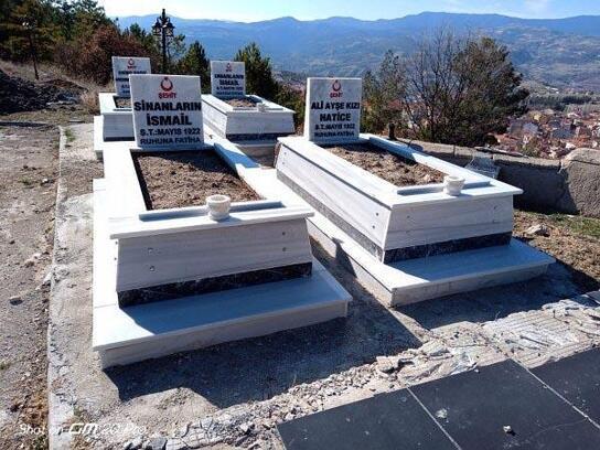 Emet'te 17 şehit mezarlı yenilendi