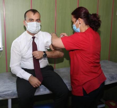 Çameli'de Kaymakam Yenigün ve Başkan Arslan koronavirüs aşısı oldu