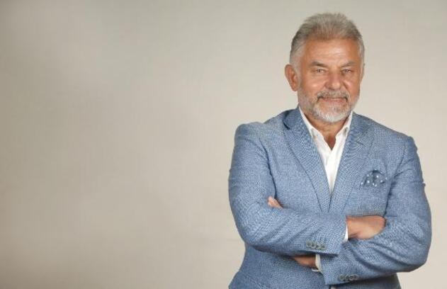 Emekli emniyet müdürü Öztürk'ün şiir kitabı İspanya'da çıktı