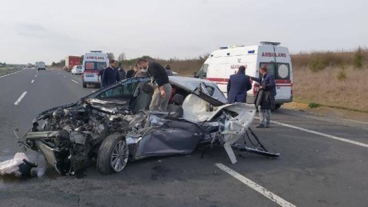 TIR'a arkadan çarpan otomobilin sürücüsü yaralandı