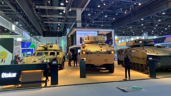 Türk savunma sanayisi IDEX'te boy gösteriyor