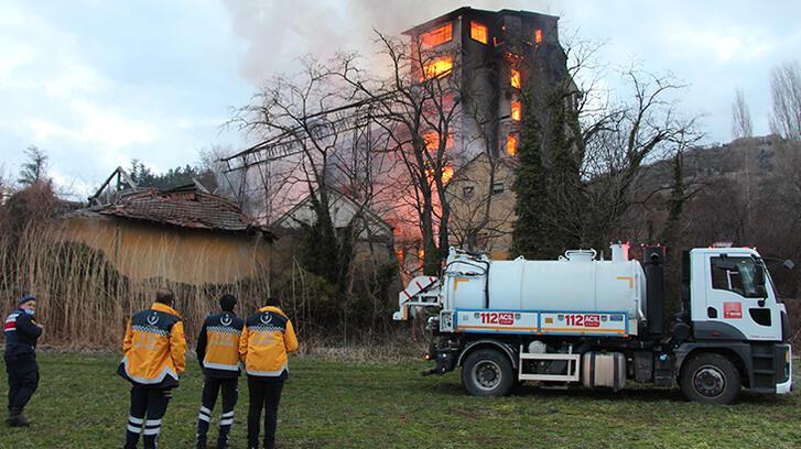 Son dakika... Bilecik'te eski un fabrikasında yangın!