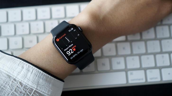 Apple Watch'tan büyük başarı: Pazarı domine etti!
