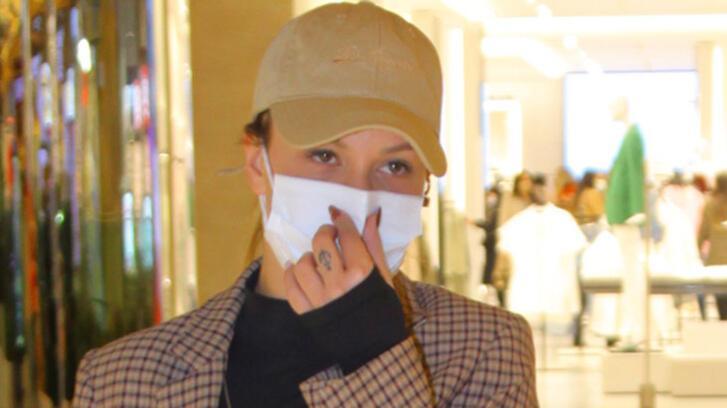 Aslı Turanlı: Çift maske takıyorum