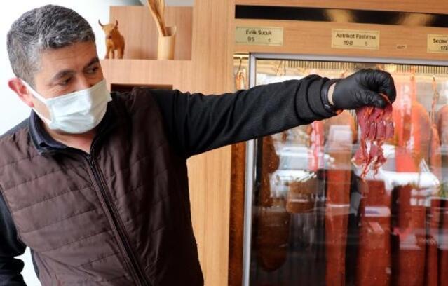 Pastırma satıcısı, ramazan ayından umutlu