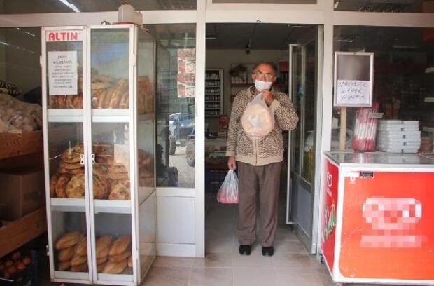 Ramaza ayında köy bakkalından 'ücretsiz ekmek' kampanyası
