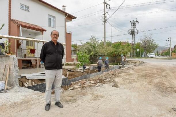 Mahalleliyi kırmadı, minibüs hattı için arazisini bağışladı