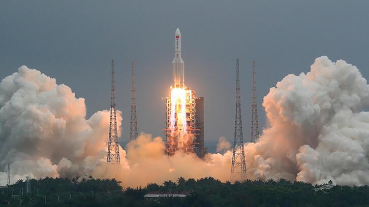 Son dakika: Dünyanın gündeminde yer alan 'Çin roketi' görüntülendi!