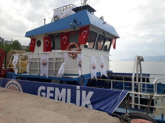 Gemlik Belediyesinden deniz temizliği için gemi kiralandı