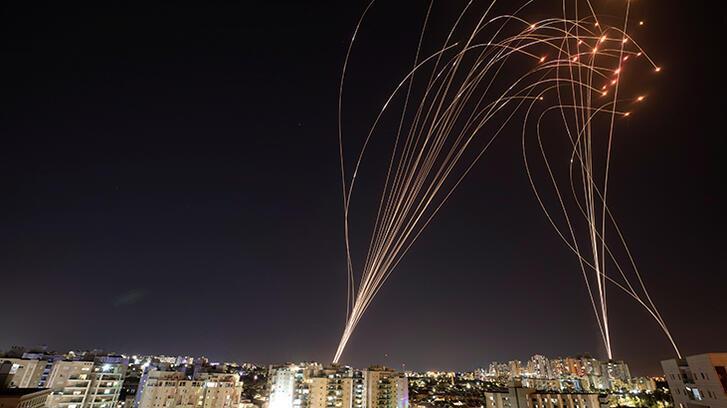 Son dakika... İsrail Gazze'ye yeni saldırı düzenledi, Hamas Tel Aviv'e 130 roket attı!