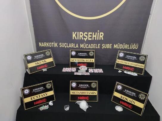 Kırşehir'de uyuşturucu ticaretine 5 tutuklama