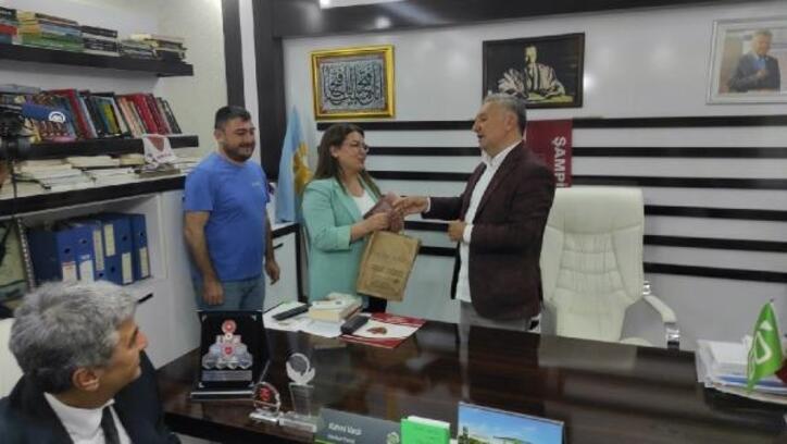 CHP Genel Başkan Yardımcısı Gülizar Biçer Karaca Kırıkhan'da ziyaretlerde bulundu