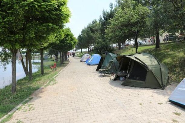 İnegöl'de olta balıkçıları kamp yaptı