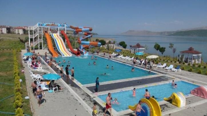 Tatvan'daki aqua parka yoğun ilgi