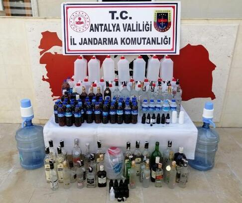 Finike'de kaçak içki baskını