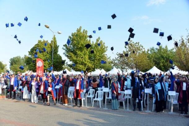 KSÜ, 5 bin 500 mezun verdi