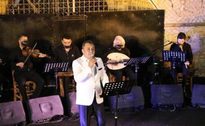 Foça'da Yaz konserleri Erdem Özgen ile başladı