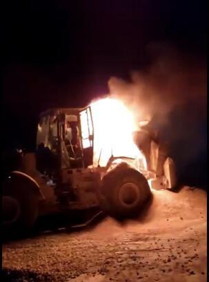 Tekirdağ'da iş makinesi yanarak kullanılmaz hale geldi