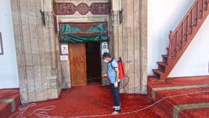 Kahramanmaraş'ta camiler bayrama hazırlandı