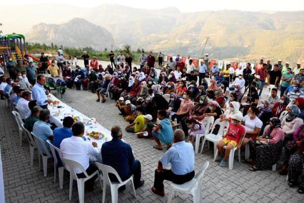 Başkan Seçer, bayramın son günü Erdemli halkı ile bayramlaştı