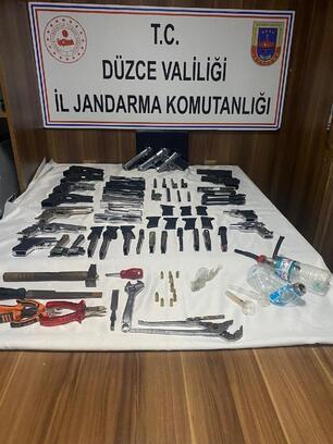 Jandarmadan silah imalathanesine baskın