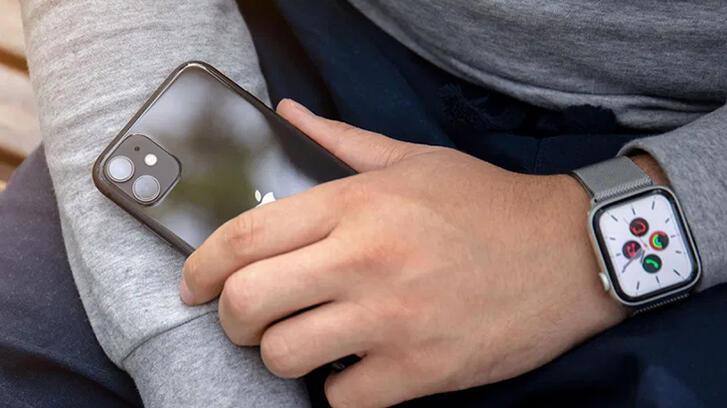 Apple hem iPhone hem de Apple Watch için yeni planlar yapıyor