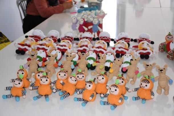 Ev kadınlarının ürettiği oyuncak bebekler ABD'ye