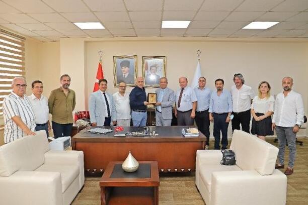 TGF'dan Başkan Gültak'a Plaket