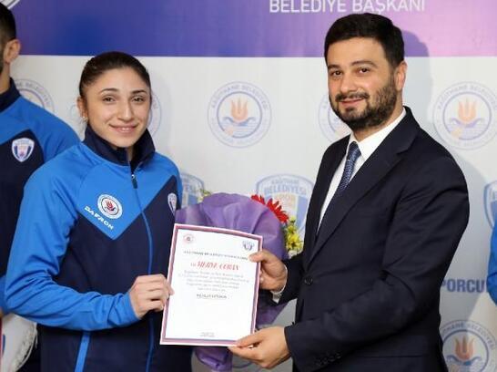 Kağıthane Belediyespor'un milli sporcuları Tokyo'da 2 madalya kazandı