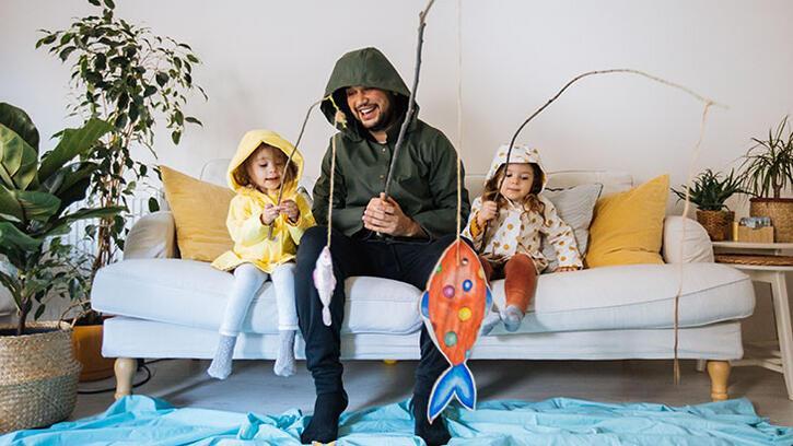 Çocukla oyun oynayan ebeveyn olmak