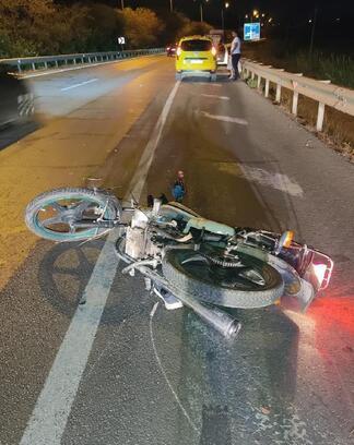 Motosiklet devrildi, sürücü öldü