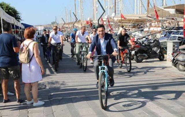 Bodrum Belediye Başkanı Aras, farkındalık için pedal çevirdi