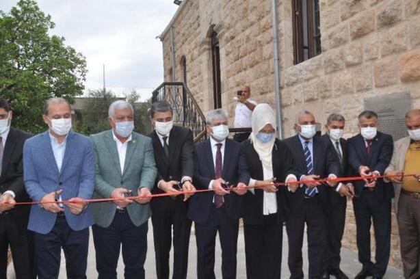 Reyhanlı'da Cemil Meriç Kültür Evi törenle hizmete girdi