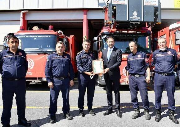 Beşiktaş Belediye Başkanı Rıza Akpolat'tan İtfaiye Grup Amirliği'ne ziyaret