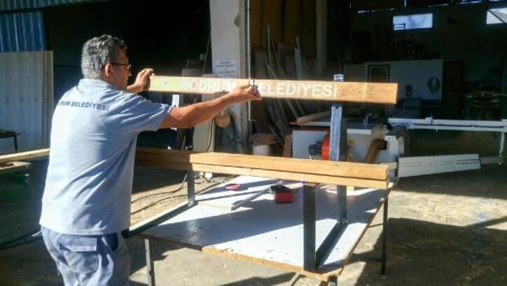 Bodrum Belediyesi kendi mobilyasını üretiyor