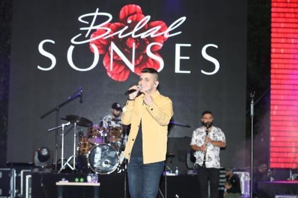 Şarkıcı Bilal Sonses, Sultangazi'de sahne aldı