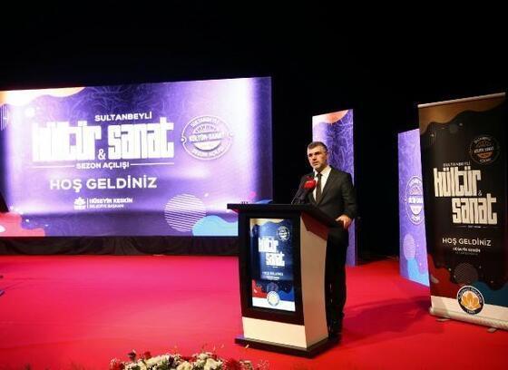 Sultanbeyli'de kültür sanat sezonu Can Atilla konseriyle açıldı