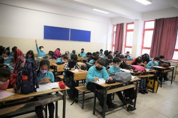 Güngören'de eğitim gören öğrencilere 90 bin ücretsiz deneme sınavı