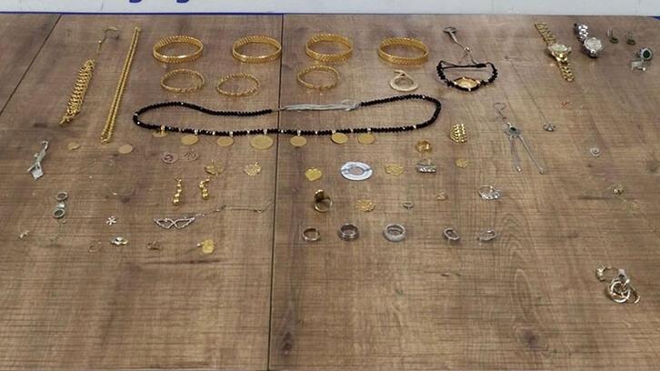 75 parça altın çalan 6 kişi kıskıvrak yakalandı