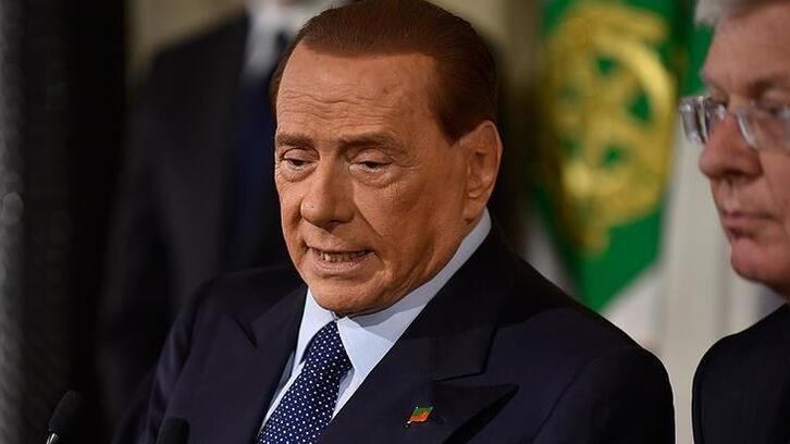 Berlusconi 'Bunga Bunga' partileri dolayısıyla yargılandığı davada beraat etti