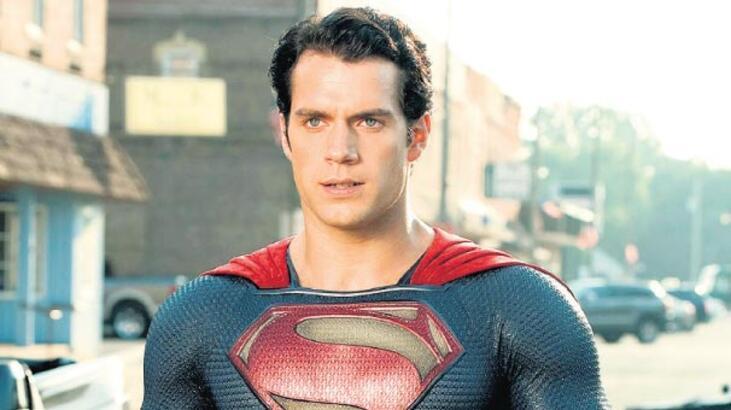 Henry Cavill'in Süpermen'liği sona mı eriyor?