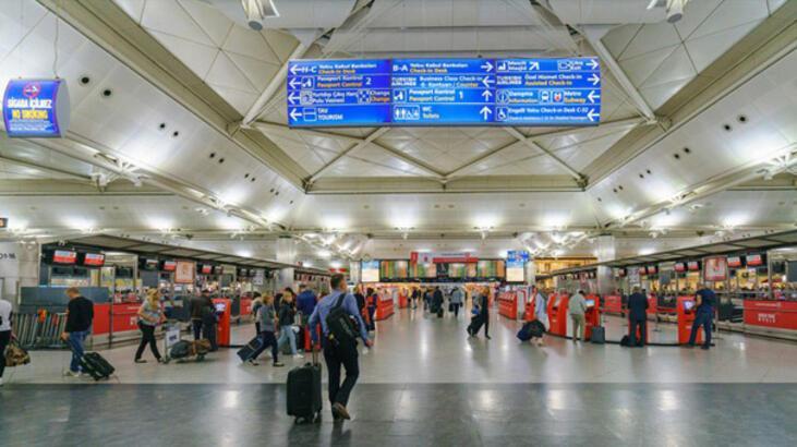 """Yabancı turistin """"giriş kapısı"""" İstanbul ve Antalya oldu"""