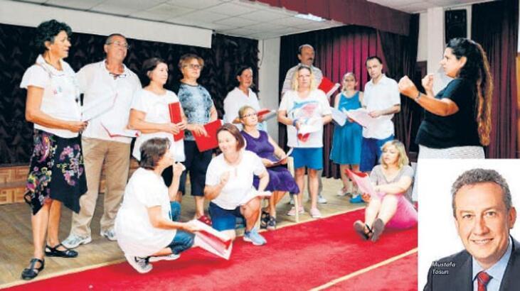 Dikili'de tiyatro şenliği