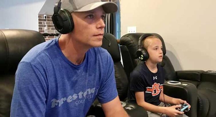 Ebeveynler, çocukları için 'Fortnite' antrenörlerine saatte 35 dolar ödüyor