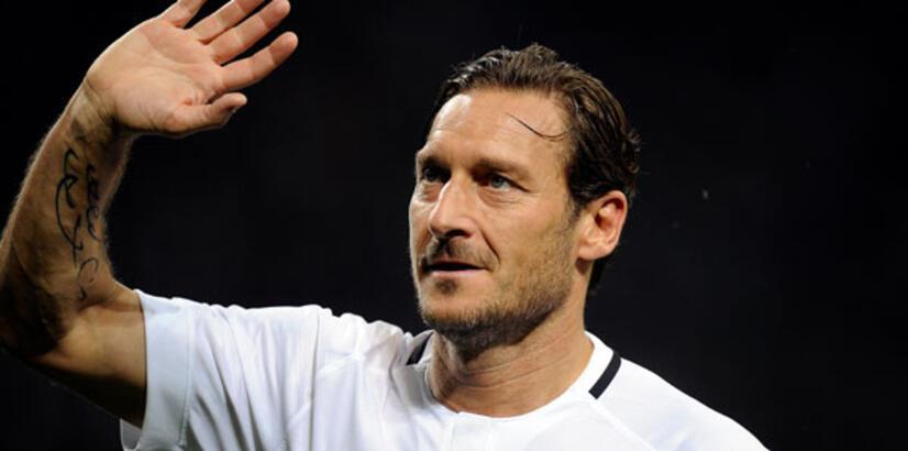 """Totti: ''Messi, Roma'ya gelirse 10 numarayı ellerimle veririm"""""""