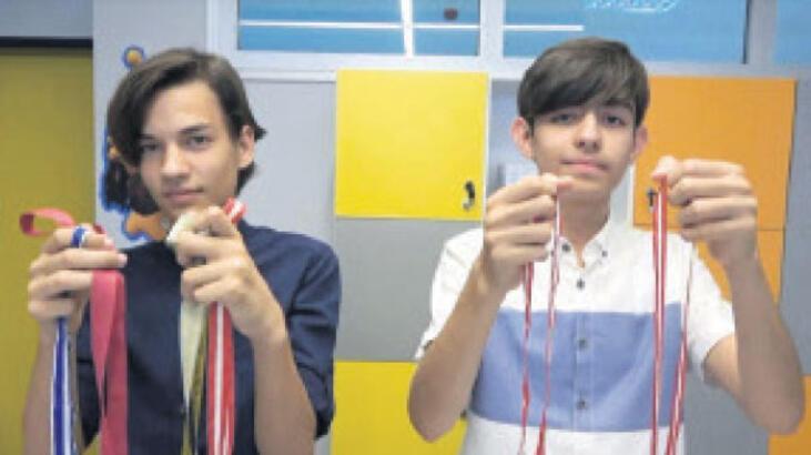 Genç matematikçiler göğüsleri kabarttı