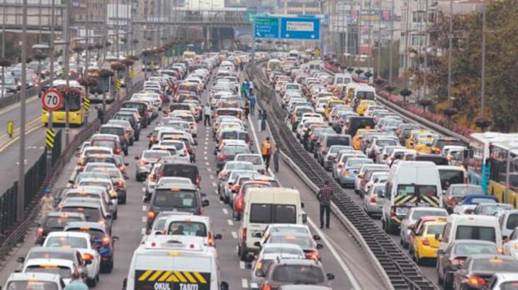 Trafiğe 5 ayda 426 bin 140 araç eklendi