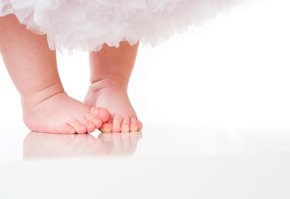 Çarpık ayak sendromu nedir?