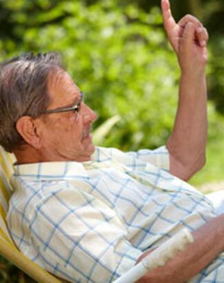 İnternette arama yaşlılar için faydalı
