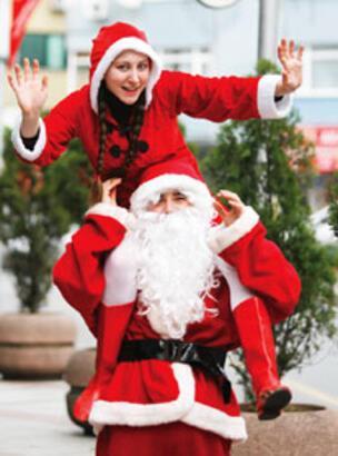 Siz onlar için üzülmeyin, Noel Babalar hallerinden memnun